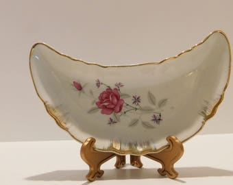 Chicken Bone Plate Fish Bone dish Crescent shape Pink Roses bone dish Vintage porcelain side dish Japan gold trim bone dish fish bone holder