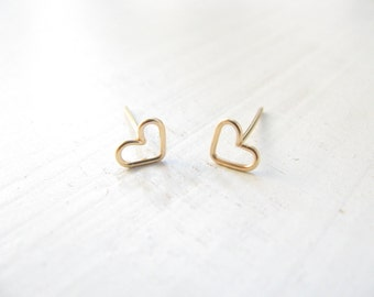 Tiny heart gold earrings, heart stud earrings, small post earrings gold, minimalist earrings, simple, everyday jewelry, heart earrings