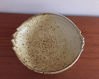 "9"" handcrafted stoneware serving dish"