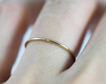 14K Solid Gold Ring, 14K Gold Stacking Ring, 14K Gold Thin Ring, 14K Gold minimalist Ring, 14K Gold knuckle Ring, 14K midi ring, simple ring