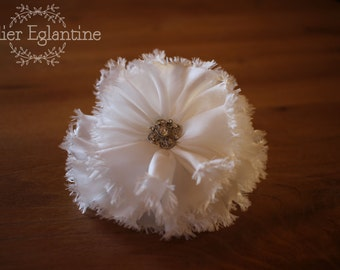 Large flower and rhinestone bridal comb