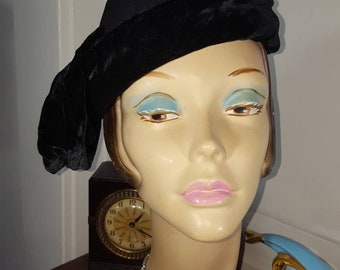 Vintage 1930s Black Velvet Wool Hat