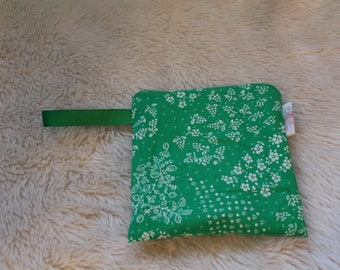 Green White Flowers Snack Bag - Reusable Snack Pack - Eco Lunch - Back to School - Waterproof Bag  -  Ready to Ship