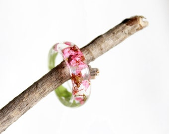 Pink Alyssum Flower Ring, Mothers Day Gift, Resin Ring, Flower Jewelry, Resin Jewelry, Real Dried Flowers Ring, Botanical Jewelry, Mom Gifts