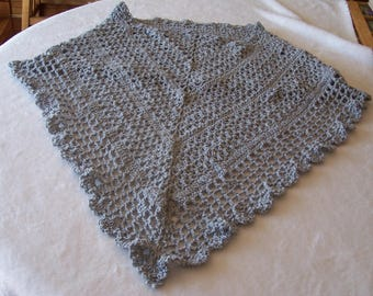 Lightweight ladies shoulder wrap and shawl in light gray