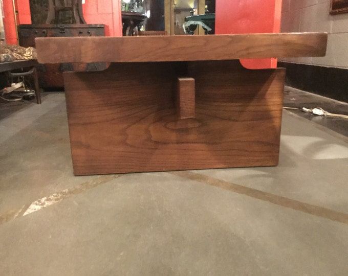 Mid Century Modern Walnut Amazing Cocktail Table
