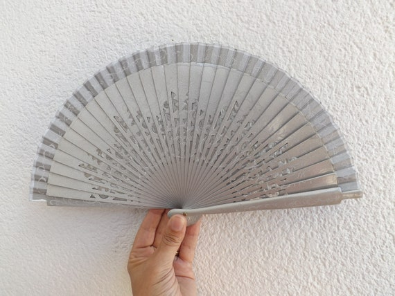 Silver Metallic Fret Ribs Traditional Design Spanish Hand Fan Limited Edition