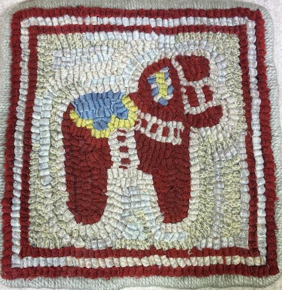 "Rug Hooking Pattern,  Dala Horse Mat   8"" x 8""  P137"