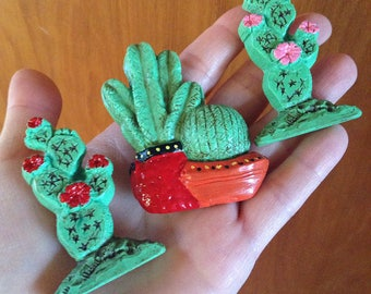 CACTUS brooch pin handmade hand painted joshua tree desert succulents resin plastic novelty pottery