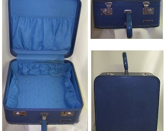 vintage 50s square overnighter suitcase