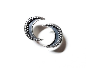 Big Moon post earrings in sterling silver (granulation, crescent)