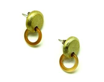 Horn & Lacquer Ear Studs - Q13194-GO