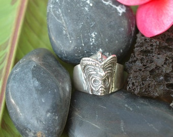 The Lucky Tiki Pomaika'i Ring (small design) in White or Gold Bronze