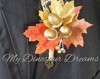 Autumn Boutonniere, Acorn Boutonniere, Rustic Wedding Flower, Groom flower, Groomsmen, Buttonhole, Maple leaf Boutonniere, Skeleton Key