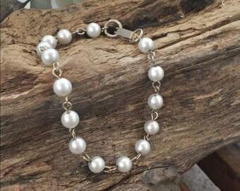 Faux pearl bracelet/faux pearl wedding bracelet/vintage bracelet/vintage faux pearls/gifts for her