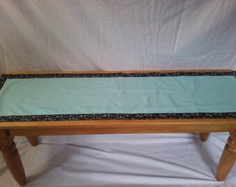 Table runner brown and turquoise dots