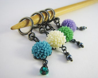 Vintage-Style Flower Non-Snag Stitch Markers