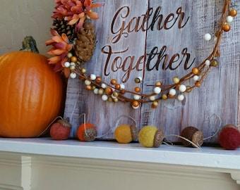 Acorn Garland : Thanksgiving / Fall Garland with felt balls