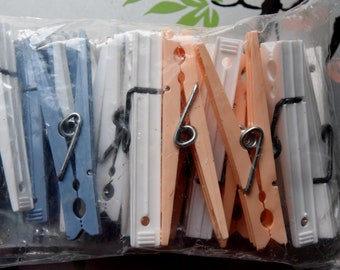 Vintage Lot Of 24 Forster Ideal Plastic Spring Clothespins Made In Usa