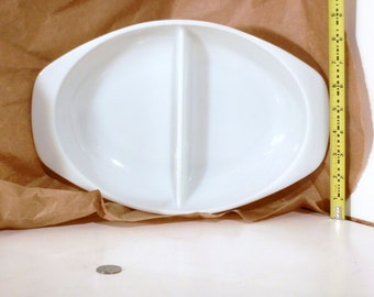 Vintage Pyrex White 1.5 Quart Divided Relish Tray