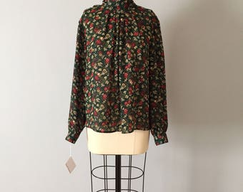 Laura And Jane forestry blouse | 80s floral forest green poet blouse | wild forest blouse
