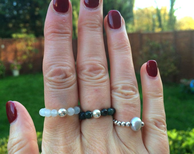 MOSS AGATE STRETCH ring with Sterling Silver or 14K Gold Fill bead Chakra jewelry Healing jewellery Yoga gift