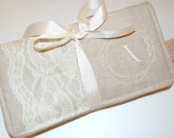 Jewelry Roll, Lace Jewelry Roll, Travel Jewelry Roll, Necklace Holder, Linen Travel Pouch, Personalized Gift, Bridesmaids Gift, Ivory, Lace