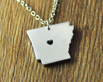 Love state necklace,personalized I heart Arkansas necklace, custom map jewelry, personalized map pendant, Arkansas state jewelry