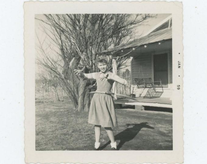 Vintage Snapshot Photo: Hula Hoop, 1959 [86693]