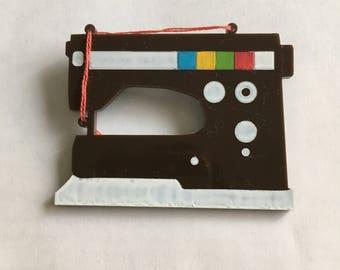 1970s Swedish sewing machine pin brooch - Acrylic