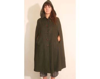 Vintage 1970s Olive Green and Plaid Long Wool Pocketed Cape Cloak size 36