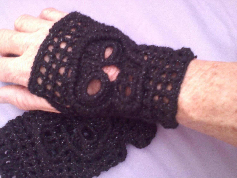 PDF Crochet Pattern Fingerless Skull Gloves