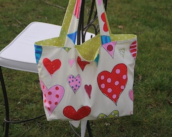 Tote bag, handbag, tote bag, beach bag trapezoid shape with flat bottom cotton fabric with motifs of hearts tote bag