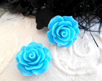 20 mm x 2 acrylic turquoise flower cabochons