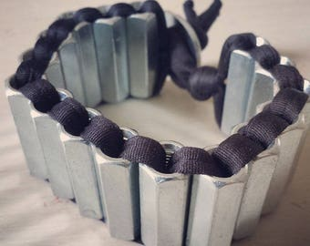 Bracelet with spacer and lycra