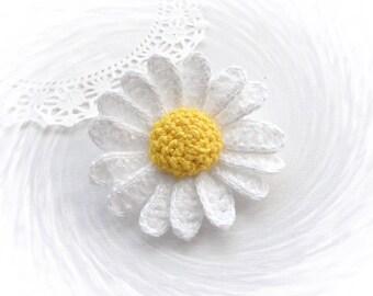 Crochet Daisy Flower Brooch - Crochet Marguerite - Made to Order