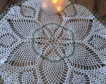Old Fashion Pineapple Doily
