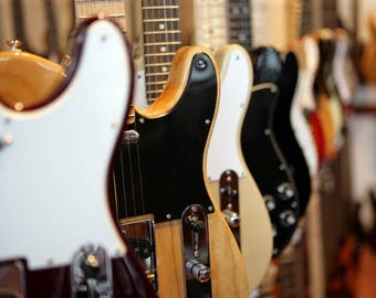 Laminated placemat electric guitars