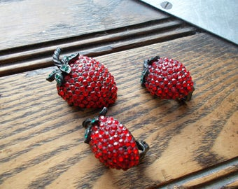 Weiss Rhinestone Strawberry Brooch and Clip-on Earrings