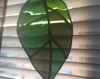 Stained Glass Leaf Sun-Catcher (green)