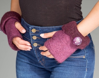 Wool felted fingerless gloves with large button
