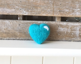 Merino wool love heart brooch (pin) handmade brooch, perfect gift for her