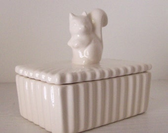 Squirrel Trinket Box, Ceramic Jewelry Box, Ring Box, Vintage Design, White, Mothers Day Gift, Gift For her Keepsake Box, Squirrel Lover Gift