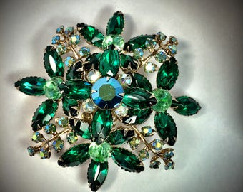 Vintage Emerald Green and Aurora Borealis Floral Design Brooch