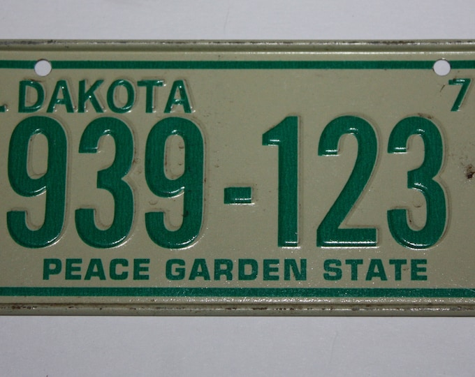 1974 North Dakota Peace Garden State Wheaties Post Cereal Premium Bike Mini Metal License Plate