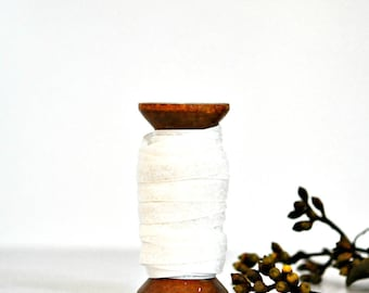 Glitter Velvet Ribbon {5m} White | Glitter Gift Wrap | White Glitter Ribbon | Sparkly Gift Ribbon | Wedding Engagement | New Baby | Baptism