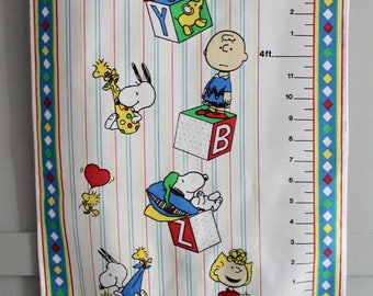 Vintage Peanuts Snoopy, Charlie Brown, Lucy, Linus Fabric Growth Chart
