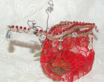 Red Fairy Bed With Beads