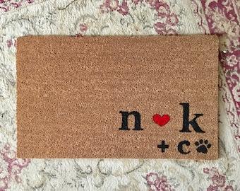 Personalized Couple And Dog Door Mat, Custom Doormat, Monogram Door Mat,  Dog Lover Door Mat, Initials Doormat, Welcome Mat, Outdoor Mat