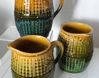 maljolica jugs set of three harvest beer barrels